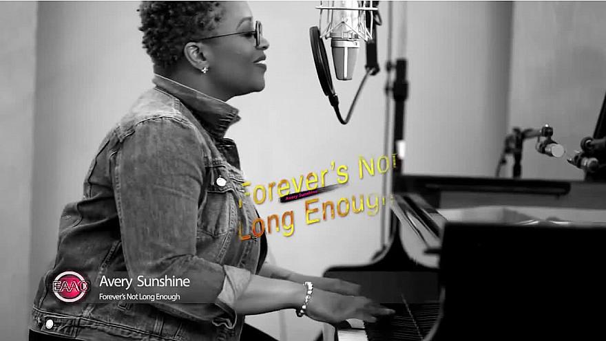 'EN ACOUSTIQUE AVEC CEDRIC' :  Avery Sunshine  interview et Live 'Forever's Not Long Enough' @AverySunshine #EnAcoustiqueAvecCedric #Soul